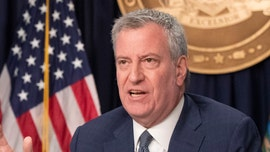 De Blasio: New Yorkers should all cover their faces while outside to prevent coronavirus spread