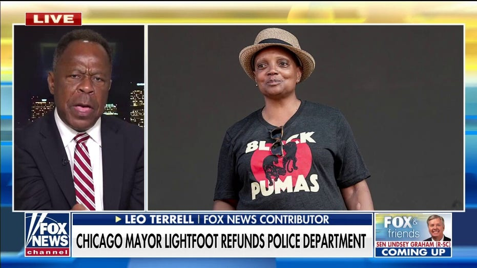 Leo Terrell sounds off on Lori Lightfoot's plan to now refund Chicago police