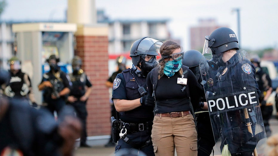 Unrest in Minnesota draws comparisons to Baltimore following death of Freddie Gray