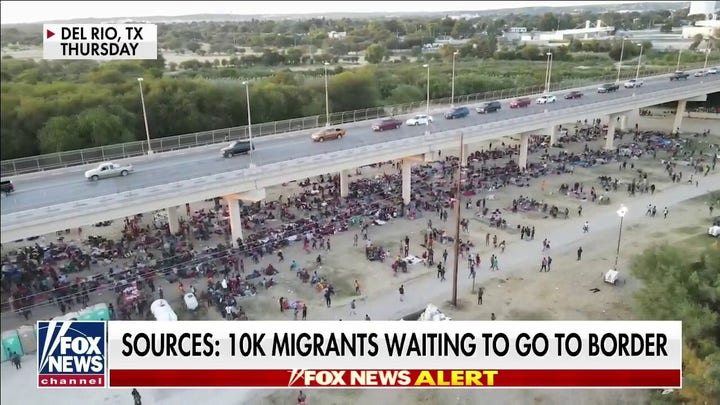 10K migrants waiting to go to border: sources