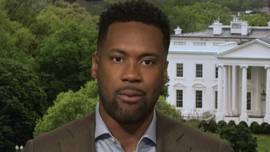 Lawrence Jones slams Biden for not releasing Supreme Court list: 'Swing voters and moderates want to know'