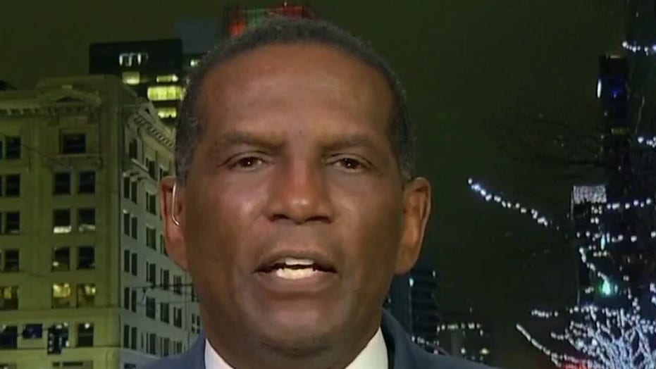 Herkies Burgess Owens, afgetrede NFLer, touts GOP's 'Freedom Force' to oppose AOC's 'Squad'