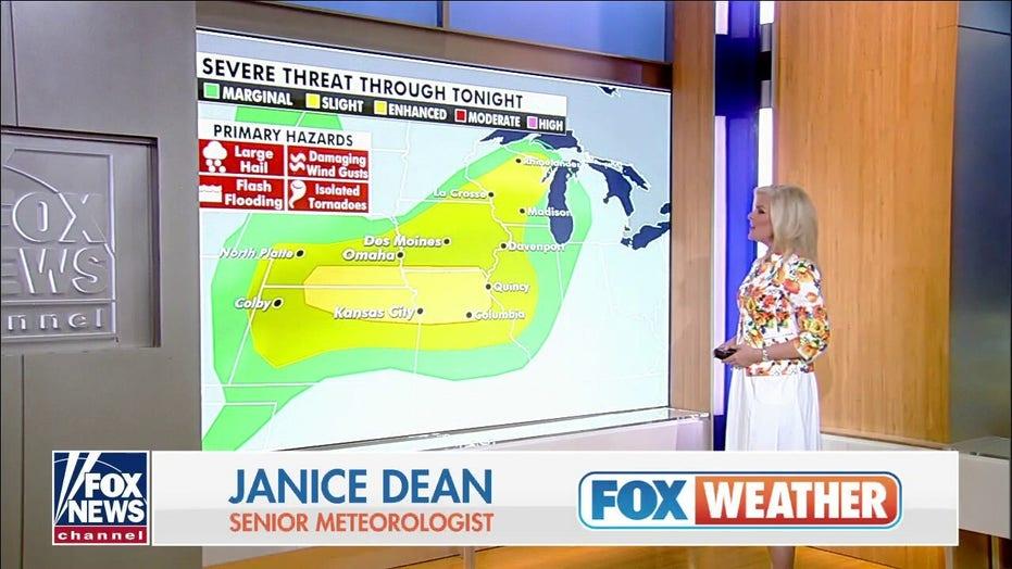 Heavy rain, flash flooding across Midwest as thunderstorms hit Gulf Coast