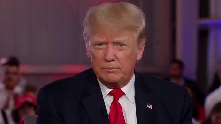 Trump slams Biden, Congress in 'Hannity' townhall
