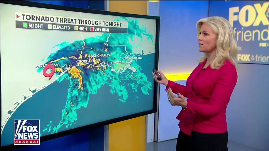 Tropical Storm Nicholas hits Gulf Coast as severe thunderstorms possible over Central Plains to the Northeast