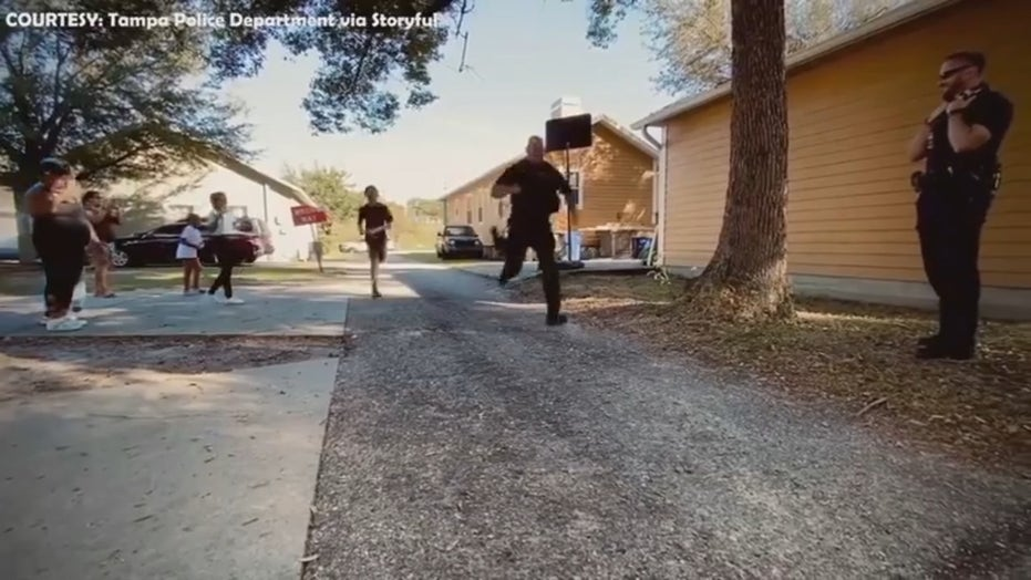 Florida cop runs against siblings in fun foot race