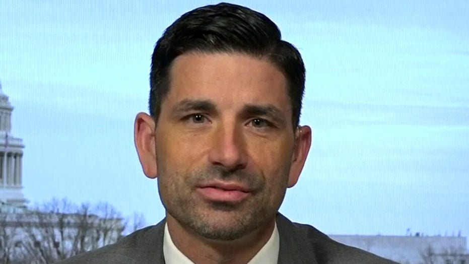 <strong>Acting DHS secretary on National Guard general refutes nationwide coronavirus quarantine rumors</strong>