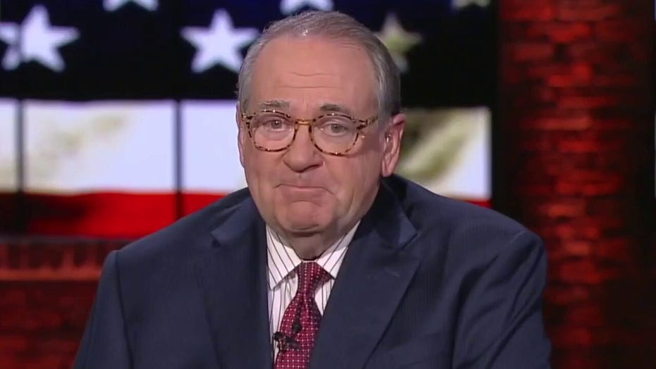 Huckabee hopes charges are brought against all rioters: 'It shouldn't be left or right, it's right or wrong'