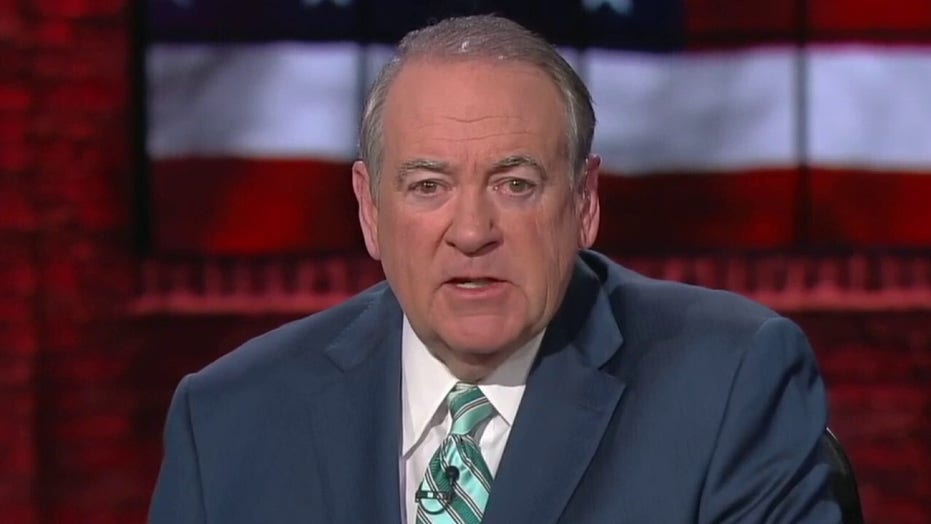 Huckabee: Bernie's problems are largely of his own making