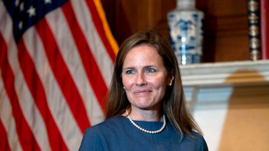 Live Updates: Amy Coney Barrett's hearing continues after tense opening day