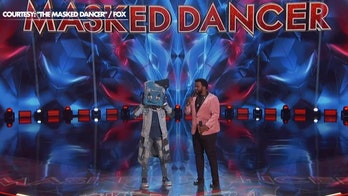 Craig Robinson talks hosting 'The Masked Dancer.' shows off his moves
