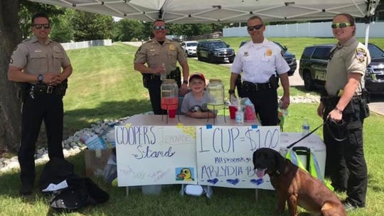 Boy, 5, raises over $3G for injured firefighter with lemonade stand