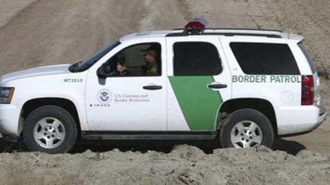 US border officials bracing for border surge expected in May