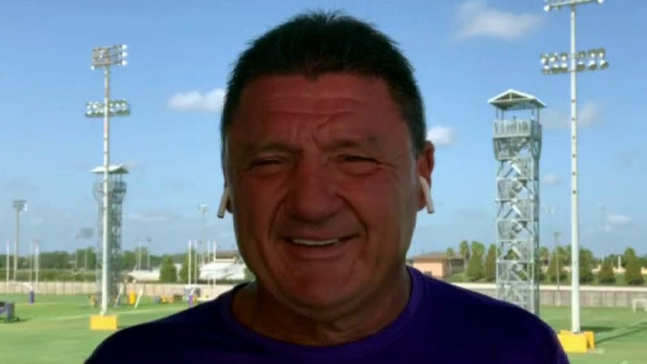 Future LSU Tigers running back Corey Kiner thanks high school janitor in heartfelt tribute