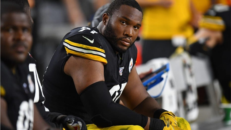 Steelers' Stephon Tuitt chooses to stand for flag