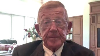 Lou Holtz says college football season unlikely: Virus 'rules and聽regulations' make it 'absolutely聽impossible'