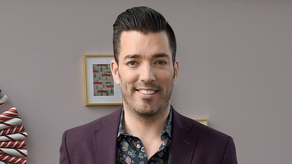 'Property Brother' Jonathan Scott's lyric video for 'Being Honest'