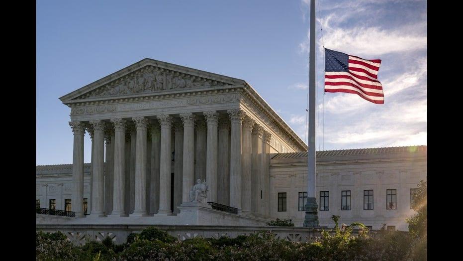 Biden commission debates adding Supreme Court members