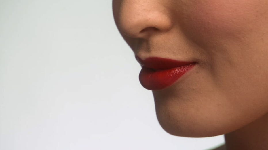 Loss of taste and smell could be early signs of coronavirus