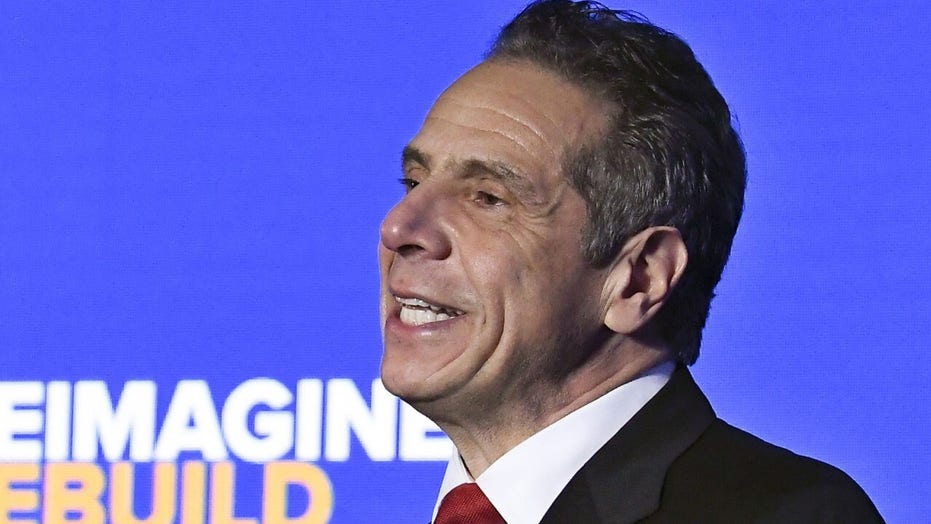 Cuomo renews call for NYPD federal monitor, challenges mayoral candidates on police reform