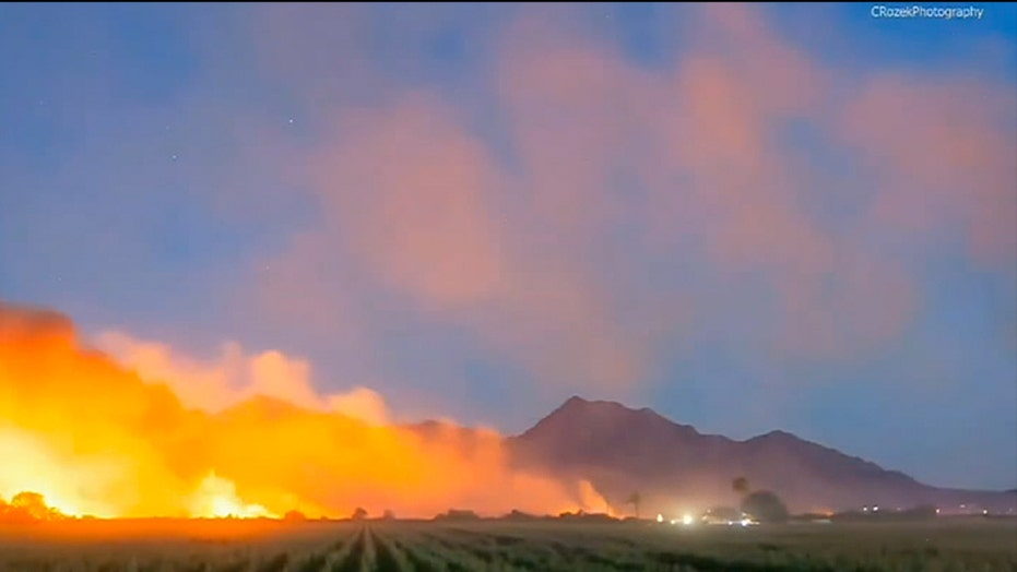 Arizona wildfire explodes in size outside Phoenix