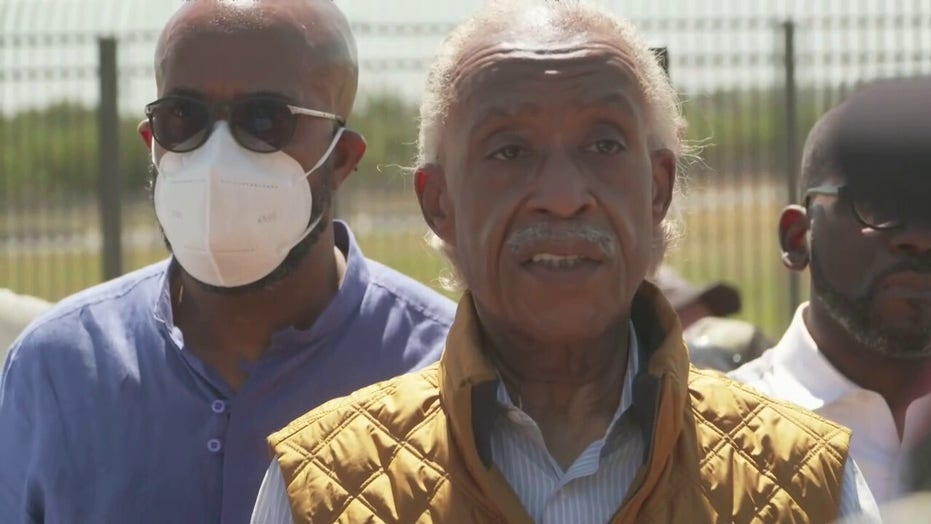 Al Sharpton speech at border drowned out by protesters: 'We don't want his trouble'