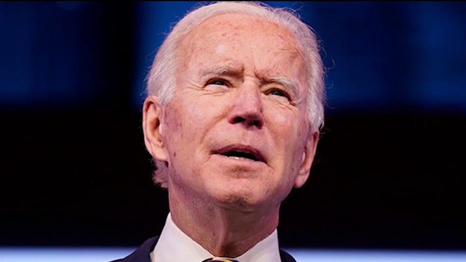 实时更新: Biden warns Trump administration's efforts to vaccinate Americans 'falling behind'