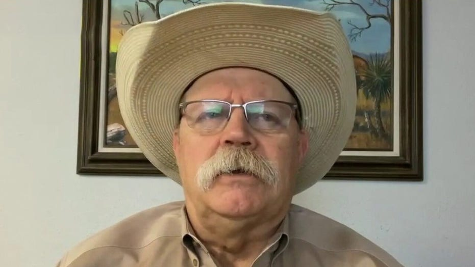 Sheriff on migrants pouring into Texas: I've never seen anything like this in 35 years