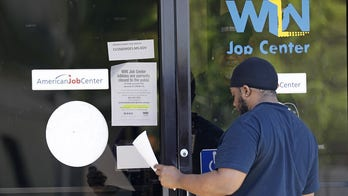 US employers shed 701K jobs in March, unemployment jumps to 4.4 percent amid pandemic