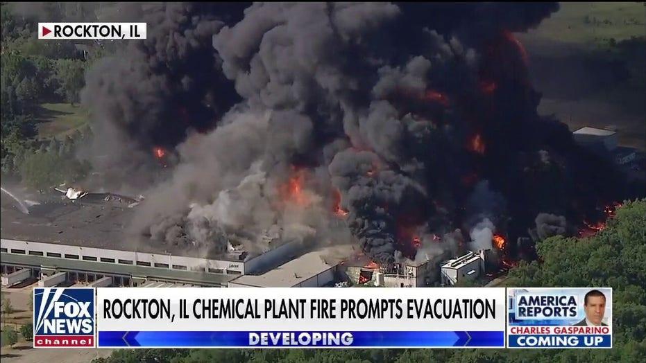 Massive chemical plant fire prompts evacuations in Rockton, IL