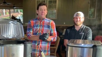 'Masterbuilt' family shares Thanksgiving recipes