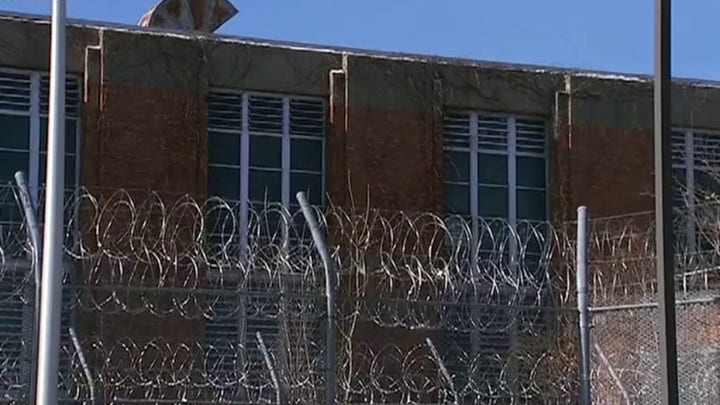 Federal prison workers claim their lives are in danger during coronavirus outbreak