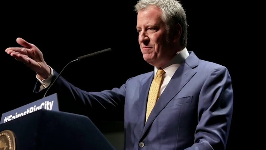 Bill de Blasio to install Black Lives Matter mural in front of Trump Tower in NYC