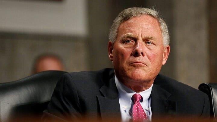 Tucker Carlson calls on Sen. Burr to explain reported $1.6 million stock sale or resign