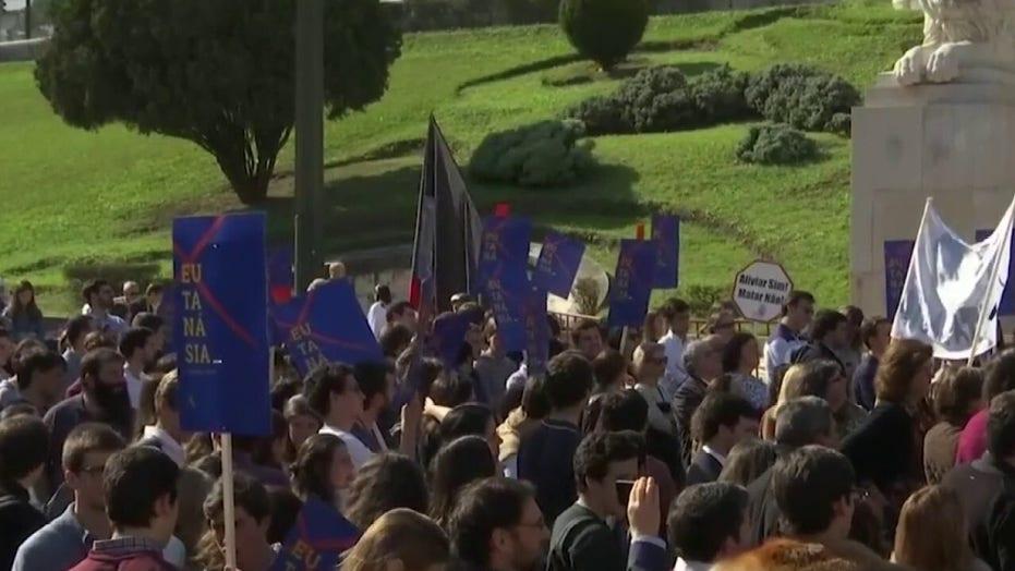 Portugal votes to allow euthanasia despite protests