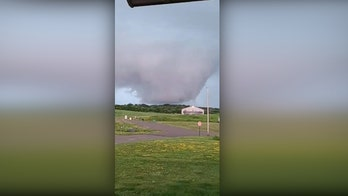 Tornado warning issued in Wisconsin after wall cloud spotted
