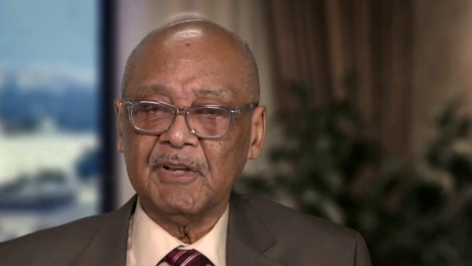 Civil rights leader blasts Smith College over racism-claim controversy