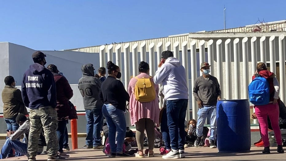 Arizona border town mayor: We are getting no help, information on migrant crossings from the federal government