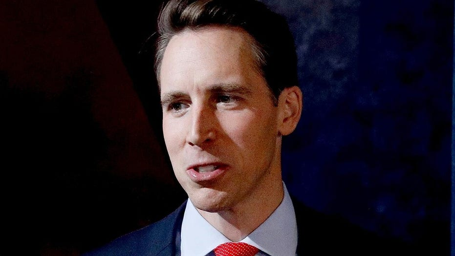 Sen. Josh Hawley tells religious conservatives nation needs a 'baptism of courage'