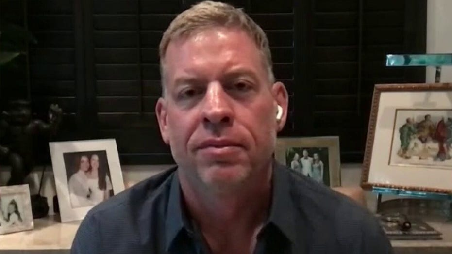 Troy Aikman previews NFL season: Football 'brings everybody together'