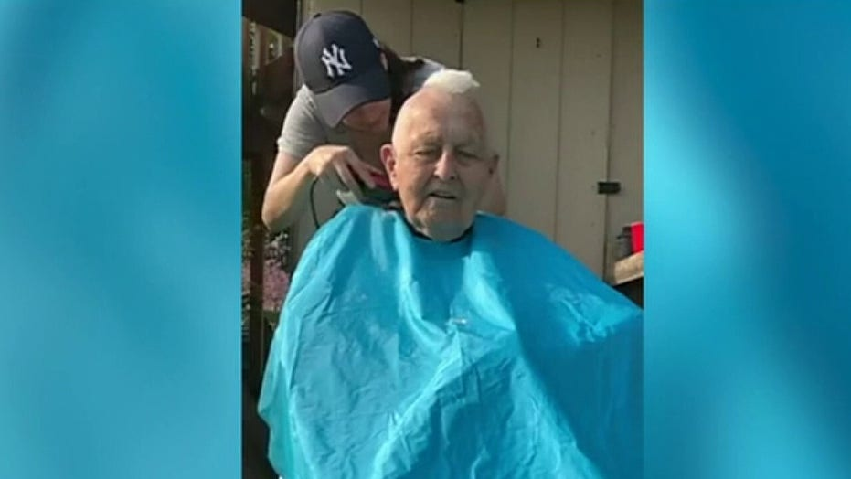 96-year-old WWII paratrooper recreates mohawk haircut