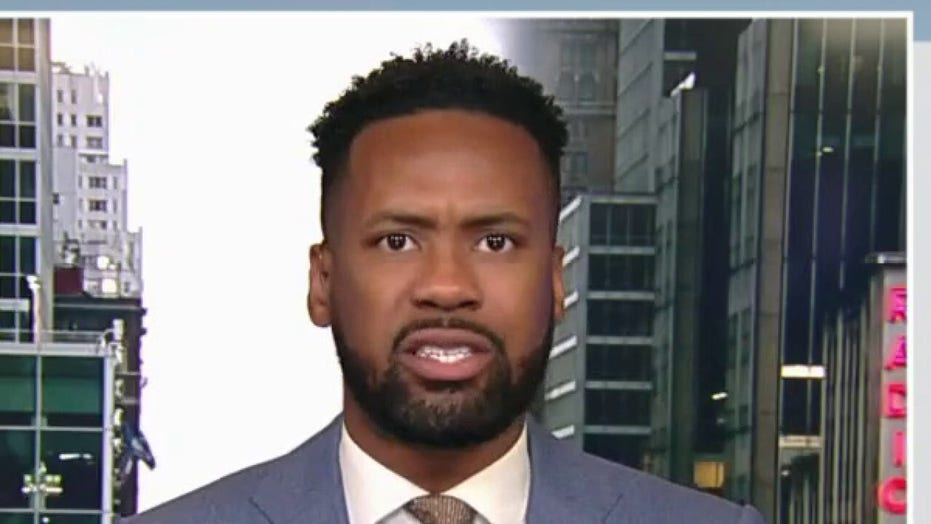 Lawrence Jones sounds off on Republicans who downplayed socialism threat: 'I am furious'