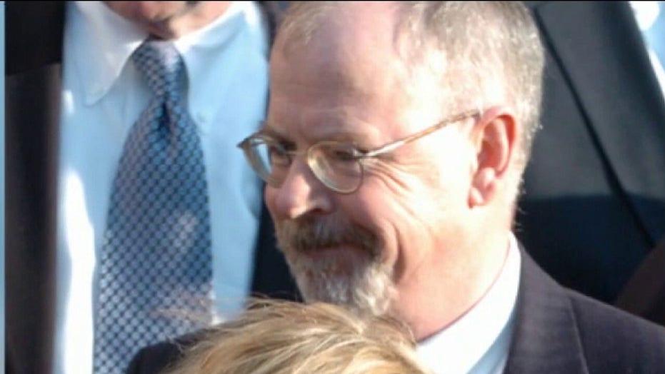 전 FBI 변호사 케빈 클라인 스미스 (Kevin Clinesmith), 특별 변호사 존 더럼 수사에서 유죄 인정 후 보호 관찰