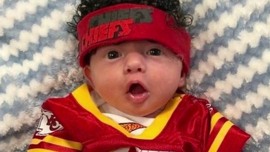 MO hospital dresses NICU babies in Chiefs gear