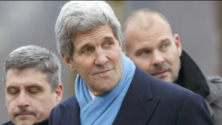 Republicans hammer John Kerry for taking private plane to accept environmental award