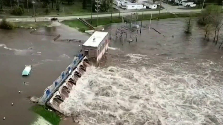 Severe flooding in central Michigan called a 'life-threatening situation'