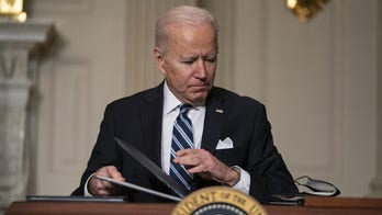 Texas judge extends suspension of Biden deportation moratorium plan