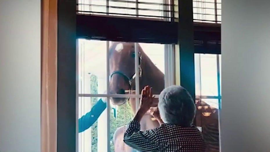 Horses lift spirits at Kentucky senior living center amid coronavirus outbreak