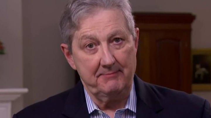 その. John Kennedy on migrant surge, COVIDワクチンの義務