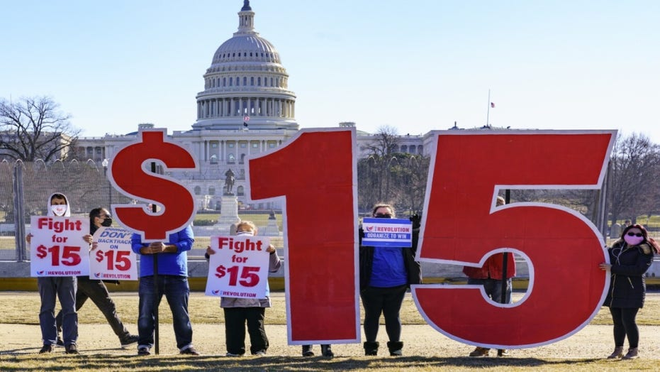 Elizabeth Warren, progressive Dems demand filibuster get scrapped in $15 minimum wage fight